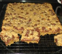 by Hillbilly Recipes 4-14-2013 2 cups quick-cooking oats1 3/4 cups firmly packed light brown sugar1 1/2 cups All Purpose Flour1 teaspoon baking powder1/2 teaspoon baking soda1 cup butter1/2 cup chopped peanuts1 cup (6 oz. pkg.)...