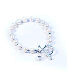 Pearl Jewellery UK, Pearl Bracelet by Jennifer Rose | Jennifer Rose Jewellery