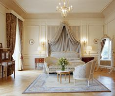 Paris certainly isn't short on luxury hotels; just take a look at this beautiful room at Hôtel Le Meurice.