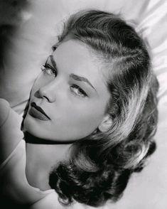 Lauren Bacall 1944 Headshot of Screen Legend 730-895 Black | Etsy Vintage Hollywood, Hollywood Glamour, Hollywood Stars, Classic Hollywood, Hollywood Icons, Vintage Glamour, Vintage Beauty, Bogie And Bacall, Humphrey Bogart