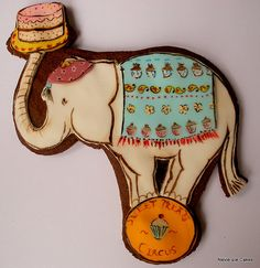 circus elephant cookie
