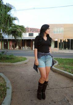 <3 Olá pessoal, tem novo #LOOK DO DIA lá no blog!!!! Venham Conferir: http://belezzamorena.blogspot.com.br/2014/05/look-do-dia-short-com-spikes-bota-via.html Bjocas no seu  Fiquem com Deus!!!