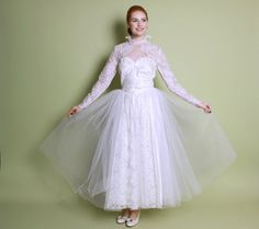 50s Lace & Tulle White WEDDING DRESS / Full Skirt by LuckyDryGoods