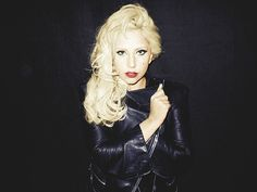 セレブのTwitterななめ読み   歌姫の「どや顔!!」が大集合    レディー・ガガ(Lady Gaga)