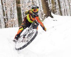 8f53092b6 4 Pairs of Mountain Biking Pants Reviewed - Singletracks Mountain Bike News  Bike Pants