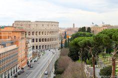 Erst ein atemberaubender Ausblick macht ein Hotelzimmer so wirklich perfekt. Mercure Centro Colosseo in Rom, nahe des Kolosseum | Hyyperlic.com