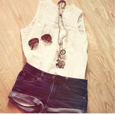 The perfect simple summer outfit! :) want!!