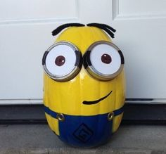RAD >>> Spray Paint Minion Pumpkins for Halloween! via @todaysmama