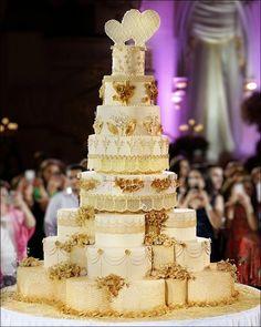Tall Wedding Cakes, Extravagant Wedding Cakes, Creative Wedding Cakes, Amazing Wedding Cakes, Elegant Wedding Cakes, Wedding Cake Designs, Wedding Cupcakes, Wedding Cake Toppers, Cake Wedding