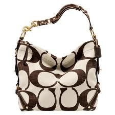 Is Coach your weakness? Get your fix of luxury couture at the Coach store in the Vacaville Premium Outlets. Coach Handbags Outlet, Coach Purses, Purses And Handbags, Coach Outlet, Spring Handbags, Cheap Coach Bags, Cheap Bags, Couture, Fashion Bags