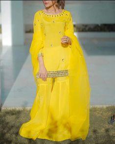 Designer Party Wear Dresses, Kurti Designs Party Wear, Pakistani Dresses Casual, Pakistani Dress Design, Sharara, Patiala, Stylish Dresses For Girls, Simple Dresses, Modest Fashion Hijab