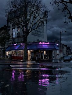 Moody, romantic photos of Paris cafes at night by Blaise Arnold. I love that he shot most of them after a rainfall, I can practically smell the rain…and the food and wine within. Urban Photography, Night Photography, Street Photography, Photography Tips, Photography Challenge, Iphone Photography, Photography Business, Aperture Photography, Toronto Photography