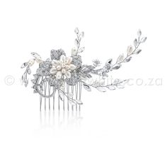 This Antique Silver plated rhinestone and fresh water pearl, flower clustered hair comb is absolutely stunning. Adding to the drama are rows of more pearls and marquis set rhinestones and crystals reaching out from the center. Bridal Comb, Hair Comb Wedding, Bridal Hair, Vintage Hairstyles, Wedding Hairstyles, Vintage Hair Combs, Circlet, Wedding Hair Accessories, Hair Piece