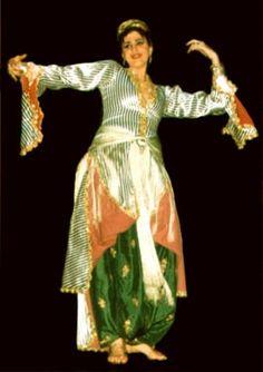 Turkish People, Costumes, Historical Costume, Sari, Image, Fashion, Saree, Moda, Dress Up Clothes