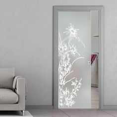 Eclisse Alpes Sandblasted Design on Clear or Satin Glass Pocket Door - Lifestyle Image. Wooden Door Design, Front Door Design, Window Design, Wooden Doors, Frosted Glass Design, Frosted Glass Door, Glass Pocket Doors, Sandblasted Glass, Glass Bathroom