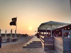 In der Sansibar Sylt Abends Essen gehen würde mir immer gefallen!!! War dort 2009 / 2011 und 2014 immer Nachmittags....