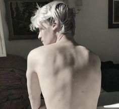 Hp next gen // Scorpius Malfoy Aesthetic Boy, Character Aesthetic, Blonde Boy Aesthetic, Perfect Man, Ivan Bubalo, Mythos Academy, Scorpius Malfoy, Pretty Boys, Human Body