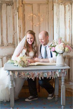 mariage certificate signing