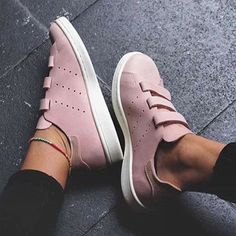 Sneakers women - Adidas Stan Smith (©sapatostore) Clothing, Shoes & Jewelry : Women:adidas women shoes  http://amzn.to/2iQvZDm
