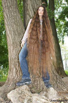 Very Long Hair, Fur Coat, Hair Beauty, Long Hair Styles, Jackets, Fashion, Long Long Hair, Down Jackets, Moda