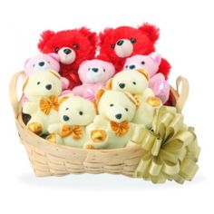 Valentine 37 There's just something about a teddy bear that's impossible to explain. When you hold one in your arms, you get a feeling of love. Give the same feeling to your love on this teddy day. Send this teddy hamper to them and makes them to feel love for you <3 <3 <3  www.goenkaflorist.com