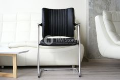 ❗ Стильные и удобные кожаные кресла для посетителей Wagner Titan Limited S Comfort Visit Black   В нашем обзоре мы хотели бы представить потрясающие посетительские кресла Wagner Titan Limited S Comfort Visit, Black. Кресла для посетителей – важная часть обстановки офиса и его визитная карточка. Правильно подобранное комфортное посетительское кресло обеспечит Вам максимально успешные переговоры с Вашими партнерами и клиентами.   📖 Читать подробнее…