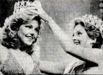 Terry Utley Miss USA 1982 (Arkansas) crowns her successor Julie Hayek Miss USA 1983 (California)