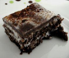 Bolo de chocolate nevado Dukan - farelo de aveia, cacau, iogurte, leite em pó