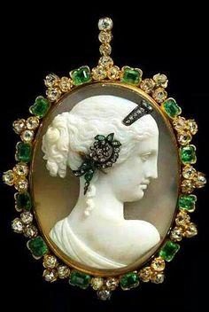 Agate cameo, emerald, diamond, silver and gold pendant, circa 1870.