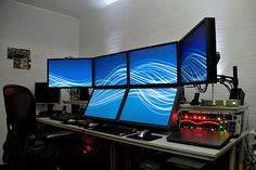 The ULTIMATE computer setup!!!!! lol Cool!!! I want this one.