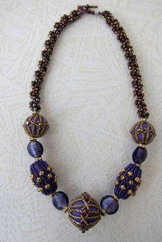 Vitalija Velyviene, netting over wooden beads
