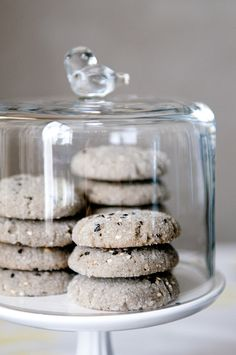 Seed of Affection - Black Sesame Cookies Sesame Recipes, Sesame Cookies, Cookie Display, Biscuits, Black Sesame, Asian Desserts, Yummy Cookies, Cookie Recipes, Dessert Recipes