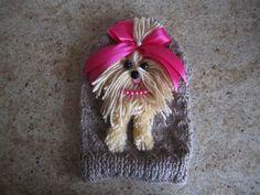 Cane maglione progettato e realizzato da armadio Couture di Nina Taglia di cane maglione XS Le misure sono Collo regolabile 9 pollici Circonferenza 14 pollici regolabile Lunghezza 11 pollici È possibile scegliere il colore del maglione scegliere decorazione colore cane (Yorkie