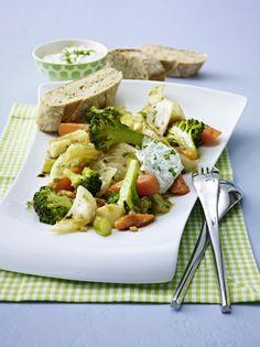 Unser beliebtes Rezept für Mariniertes Gemüse mit Kräuterdip und mehr als 55.000 weitere kostenlose Rezepte auf LECKER.de.