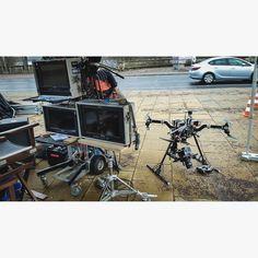album photo drone skynamicdrone  The Alexa Mini in Gremsy H16 gimbal waiting for her call #paramount #alexamini #alexa #arri #filmset #gremsyh16 #setlife #berlin #tvseries #tv #television #drone #copter #atomos #atomosshogun #gremsy #uav #fpv #multirotor