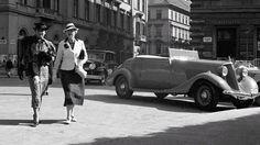 1920-as évek, Sétáló Hölgyek a Vigadó téren