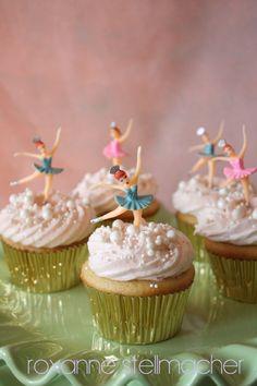 Best cupcakes for kids birthday little girls tutus 26 Ideas Barbie Birthday Party, Ballerina Birthday Parties, Ballerina Party, 4th Birthday, Barbie Party, Christmas Birthday, Birthday Ideas, Chocolate Cupcakes Decoration, Fun Cupcakes