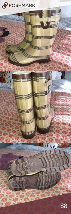 Rain Boots Great condition rubber boots. Brown and beige with small pink stripe Target Shoes Winter & Rain Boots