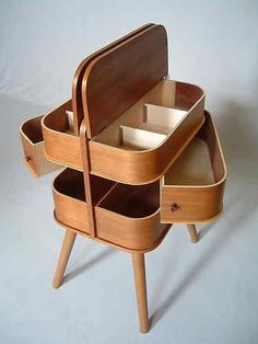 MumRetroDesign: Retro Eames Table - Plant Stand and Vintage Sewing Box #retrohomedecor