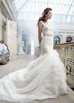 Corseted Lazaro bridal