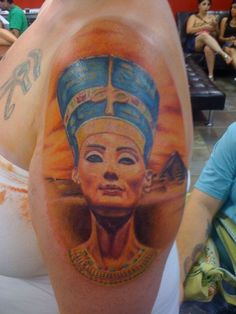 What does queen nefertiti tattoo mean? We have queen nefertiti tattoo ideas, designs, symbolism and we explain the meaning behind the tattoo. Pharaoh Tattoo, Nefertiti Tattoo, Egyptian Tattoo, Egyptian Art, African Queen Tattoo, State Tattoos, Birthday Tattoo, Fresh Tattoo, Queen Nefertiti