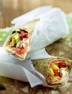 Wrap mit Lachs: http://kochen.gofeminin.de/rezepte/rezept_wrap-mit-lachs_322309.aspx  #wraps