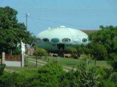 The Futuro House By Matti Suuronen - Port Alfred, South Africa [No Longer At This Location] - Information, Photographs, History, Maps Beach Holiday, Coastal Living, South Africa, Maps, Photographs, Holidays, Future, History, House