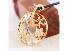 Vintage Oriental Style Crystal Pendant Necklace-Gold