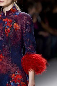 forlikeminded:    Shiatzy Chen - Paris Fashion Week - Fall 2015