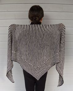 Ravelry: Roo Shawl pattern by Nina Machlin Dayton