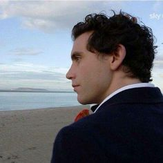 Mika X Factor (in Ireland) Grace Kelly, Beautiful Smile, My Favorite Music, Music Artists, Interview, Handsome, Singer, Guys, Portrait