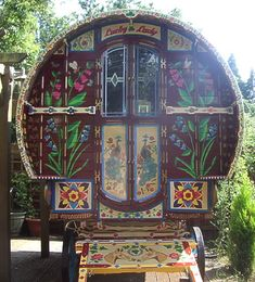 Gypsy Caravan, Gypsy caravans, Gypsy Waggons and Vardos: Features and Articles The Beatles Cherry Bow