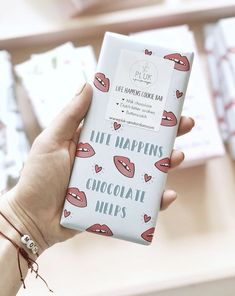 Chocolate Bars are best complimentary gifts Life Happens, Shit Happens, Chocolate Bars, Last Minute Gifts, Cookie Bars, Bitter, Joy, Valentine's Day Diy, Chocolate Chip Bars