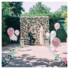 Beautiful setup for outdoor proposal Romantic Proposal, Perfect Proposal, Proposal Ideas, Wedding Proposals, Marriage Proposals, Balloon Decorations, Flower Decorations, Merlot Wedding, Floral Backdrop